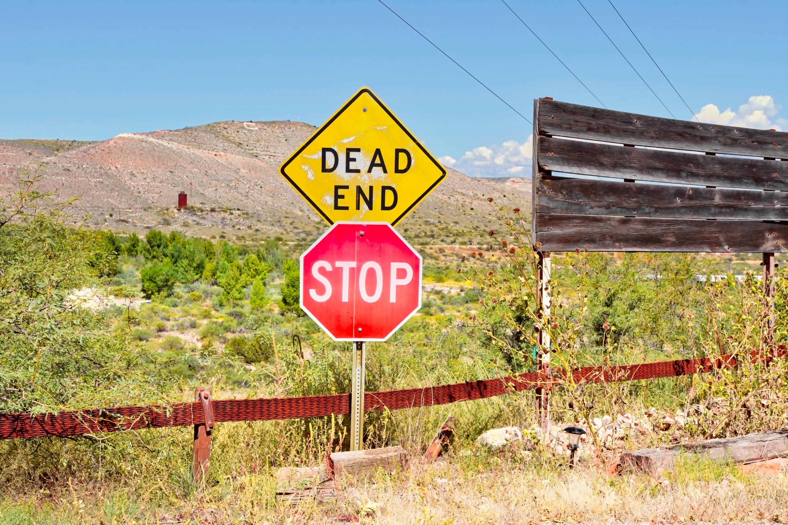 image of a dead end sign indicating hitting a wall with no marketing results