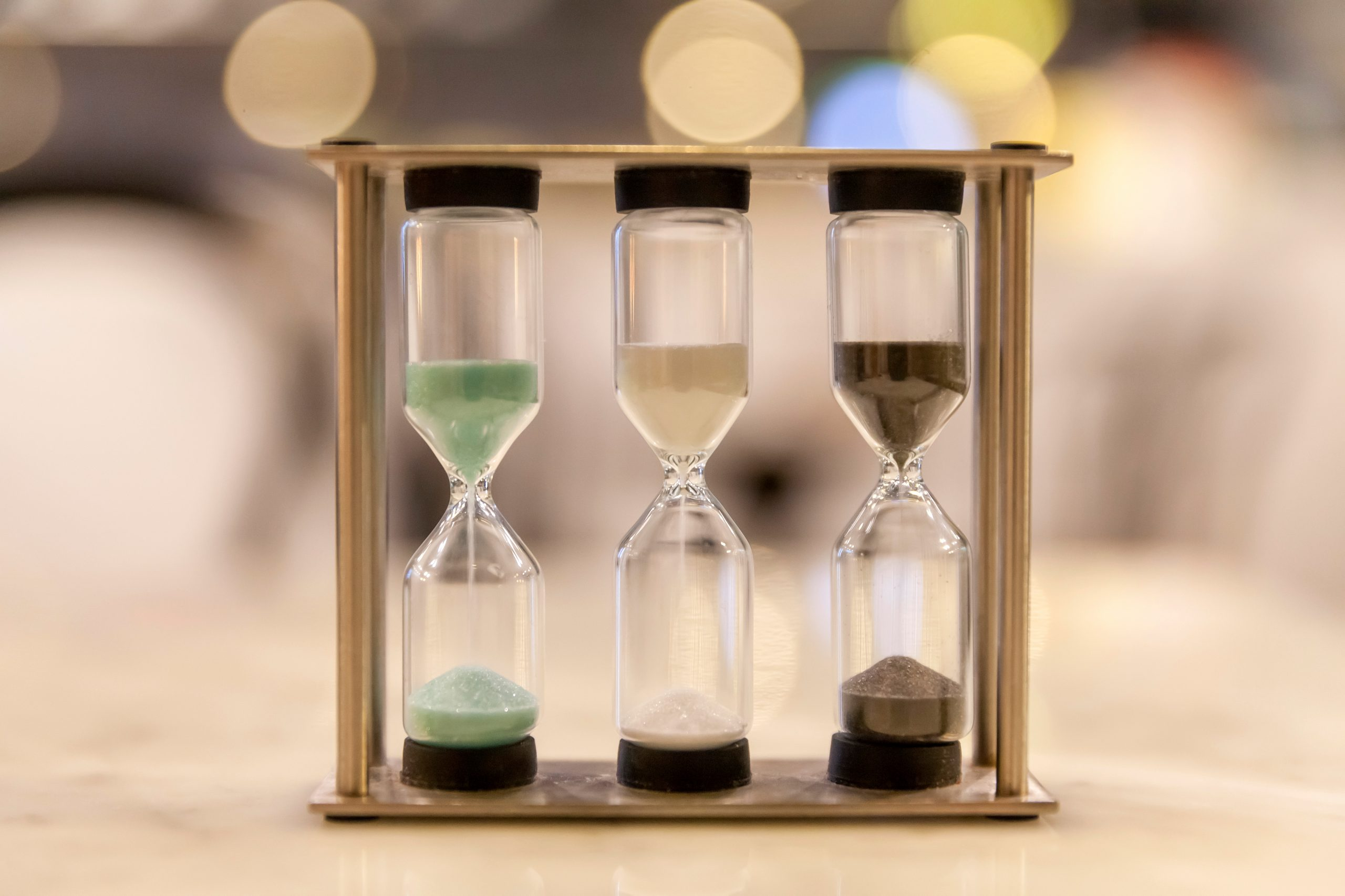 image of hourglasses symbolizing ideal duration in marketing